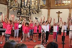 Tanzensemble der 12. Grundschule Dresden